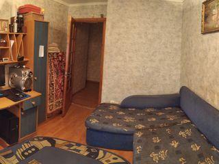 продается 2-х комнатная квартира в самом центре города Единиц