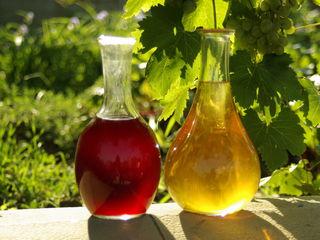 Vin Aligote și roșu