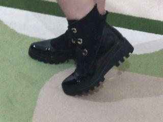 Кожаные ботинки фирмы Кристина,одеты один раз.