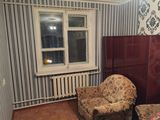 Сдаю 2х комнатную квартиру в центре города Чимишлия возле русской школы