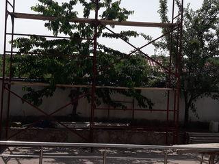 Фирма сдает в аренду фасадные леса
