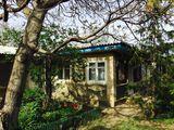 Vînd casă în satul Petrești raionul Ungheni