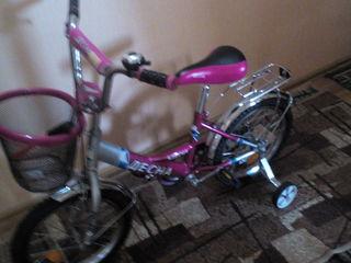 Se vinde bicicleta, pentru fetita, practic noua, pret real!