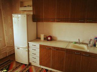Apartament spatios si luminos se da in chirie unei familii