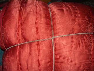 Продам зимнее одеяло и две перьевые подушки размером 70х70