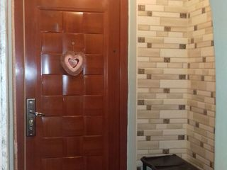 Vind  urgent apartament cu 2 odai în Porumbeni (Măgdăcești)