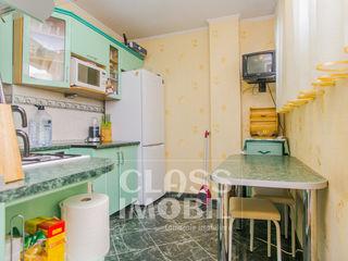 Apartament cu 3 camere+living, str. Calea Orheiului, Poșta Veche