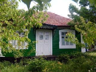 Urgent!!! casa + 37 ari de gradina, in centrul satului ocolina, r-nul soroca