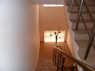 """Новый 2-хэтажный дом с мансардой в спальном р-не""""Ливада"""" г. Яловень по ул. Бэлческу. Цена:69000 евро"""