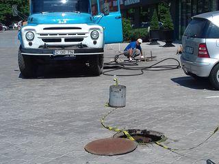 Чистка и промывка канализации высоким давлением - гидромашина