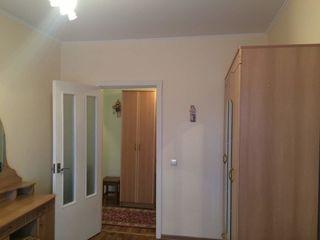 Жубилеу, 2-х комн. кв, комн. раздельные хорошый ремонт с мебелью 29500 евро 4 етаж.