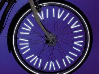 Отражатели на спицы велосипеда- 50 лей. Цена указана за комплект из 12 трубок одного цвета.