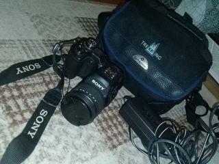 Sony cyber shot.1400 lei.