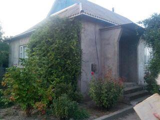 Vind casa cu 1 nivel in satul Olanesti, raionul Stefan Voda (pe malul riului Nistru)