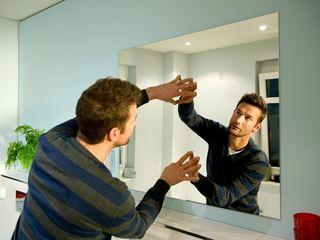 Разбилось зеркало, стекло? Требуется замена, доставка, установка. Зеркала, стекла для дверей, окон,