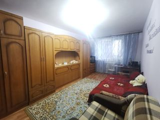Apartament cu o camera sec. Buiucani et. 3/7 de mijloc, parte solara!!!