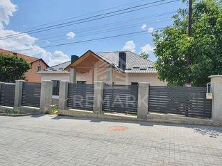 Se vinde casă, în variantă albă, Dumbrava!