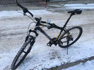 Горный велосипед марки Felt