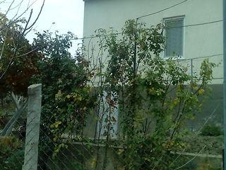 продается дом-дача 14км от Кишинева возле Флорень