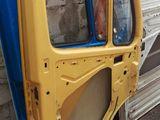 Двери на vario и бус 210D