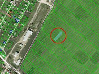 se vinde lot de teren Poltava-Dumbrava