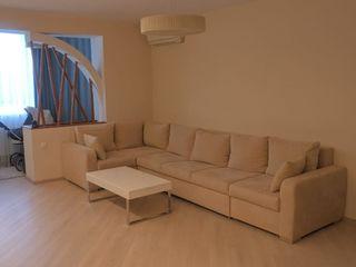 Vand apartament cu 3 camere in Buiucani, proprietar