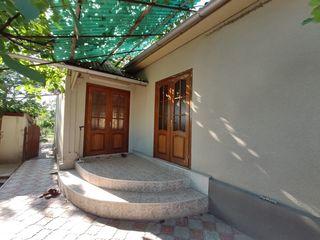 vînd casă cu teren aferent în satul Albinețul Vechi, raionul Fălești