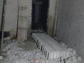 Алмазное сверление отверстий любых диаметров .Резка бетона.