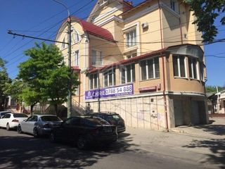 Spre chirie spațiu comercial, Centru str. B. Bodoni, 495mp, 3000 €