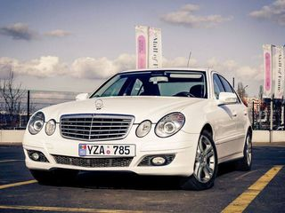 Mercedes E Class W211 albe/negre (белые/черные) - 10 €/ora (час) & 65 €/zi (день)