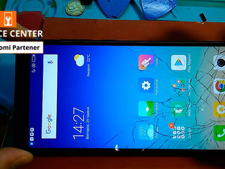 Xiaomi RedMi 5 Ecranul de a crapat -Luăm, reparăm, aducem !!!