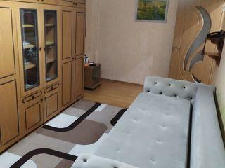 Apartament spatios cu 1 odaie, 46 m2, str. Florilor