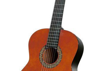 Классическая гитара. Chitara clasica.