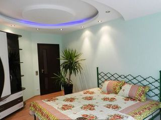 Сдается квартира помесячно, напротив цирка, 2 спальни+гостиная.