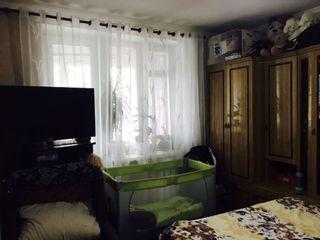 Sectorul Buiucani, camera in camin, reparatie buna, 33 mp, 16 300 euro