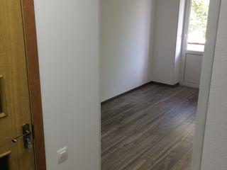 Apartament in centru - 2 camere ( lîngă centru comercial, alim.Vias ), cu reparatie