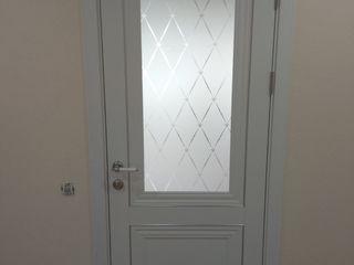 Профессиональный монтаж дверей.
