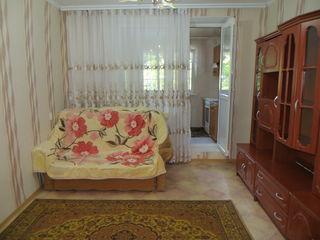 se da la gazda un apartament cu 1 camera-155 euro