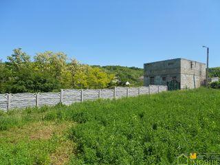 Teren pentru constructia vilei linga iaz si padure