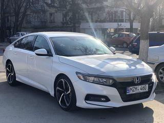 Automobile disponibile in chirie in Chisinau auto cu 5 si 7 locuri ceremonii si vacanta.