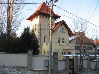 Casa în zonă de elită Telecentru