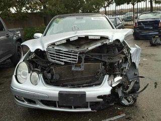 Cumpar automobile mercedes accidentate  urgente