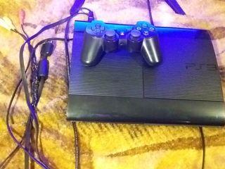 Чистый ухоженный Playstation 3,прошитый + 8 классных игр - 2000 лей