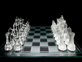 Новые стеклянные шахматы всего за 385лей