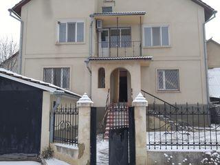 Продам двухэтажный коттедж в районе сахкамня г. Рыбница с мебелью и бытовой техникой=$65000