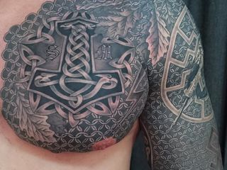 Татуировки любой сложности в студии Tattooz