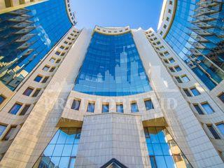 3 camere+living 142 mp în Complexul locativ Deluxe! bd. Ștefan cel Mare!