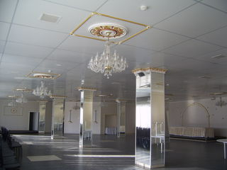Сдается в наем помещение площадью 830 кв. первая линия на Буюканах!