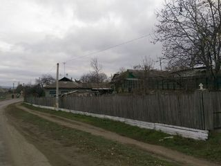 10 ari de pamant + casa batraneasca in raionul Straseni !