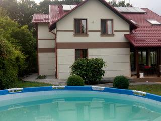 Двухэтажный дом, 14 соток, сад,сауна, рядом Днестр. На долгий срок!